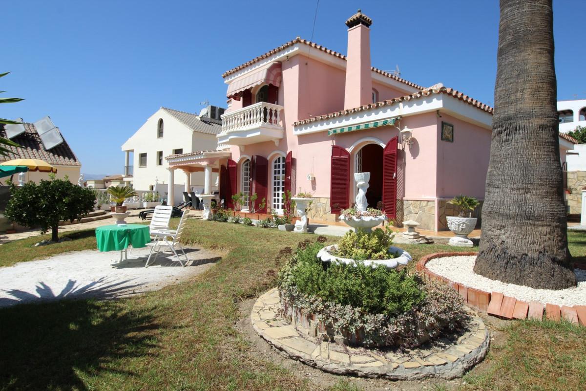 Fantastic villa in Caleta de Velez.  The property has a total construction of 314 m2 on a plot of 60,Spain