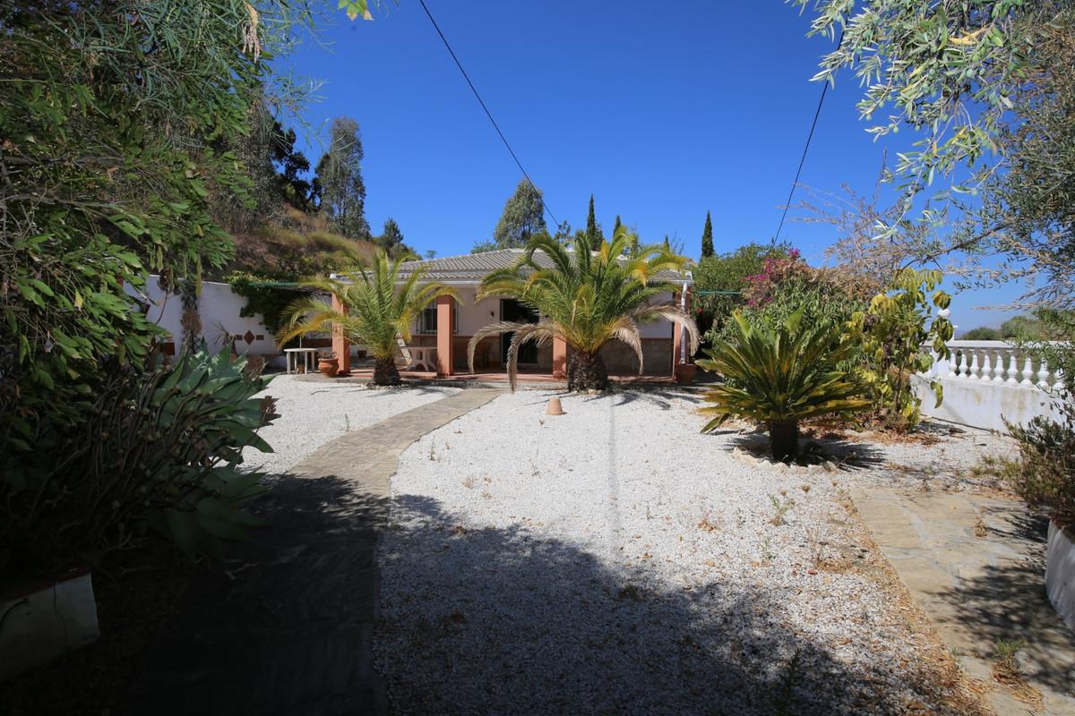 Sale, Finca, Velez-Malaga (Rubite), Malaga, Andalucia  Spacious and quiet country house of 160 m² on,Spain