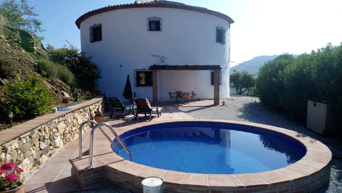Large original country property in quiet location   This formal water deposit is transferred into a ,Spain