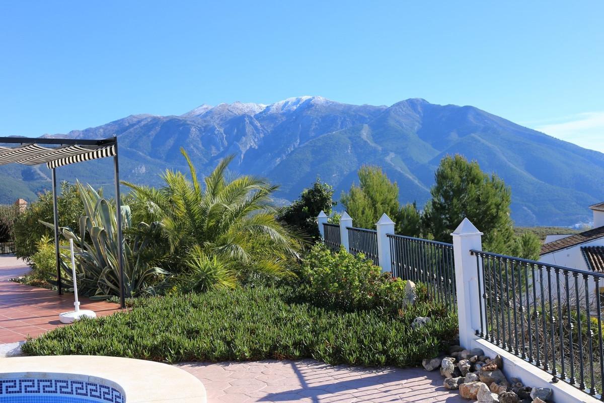 Villa in Alcaucin Alcaucin Super villa with stunning panoramic views of the mountains. The villa com,Spain