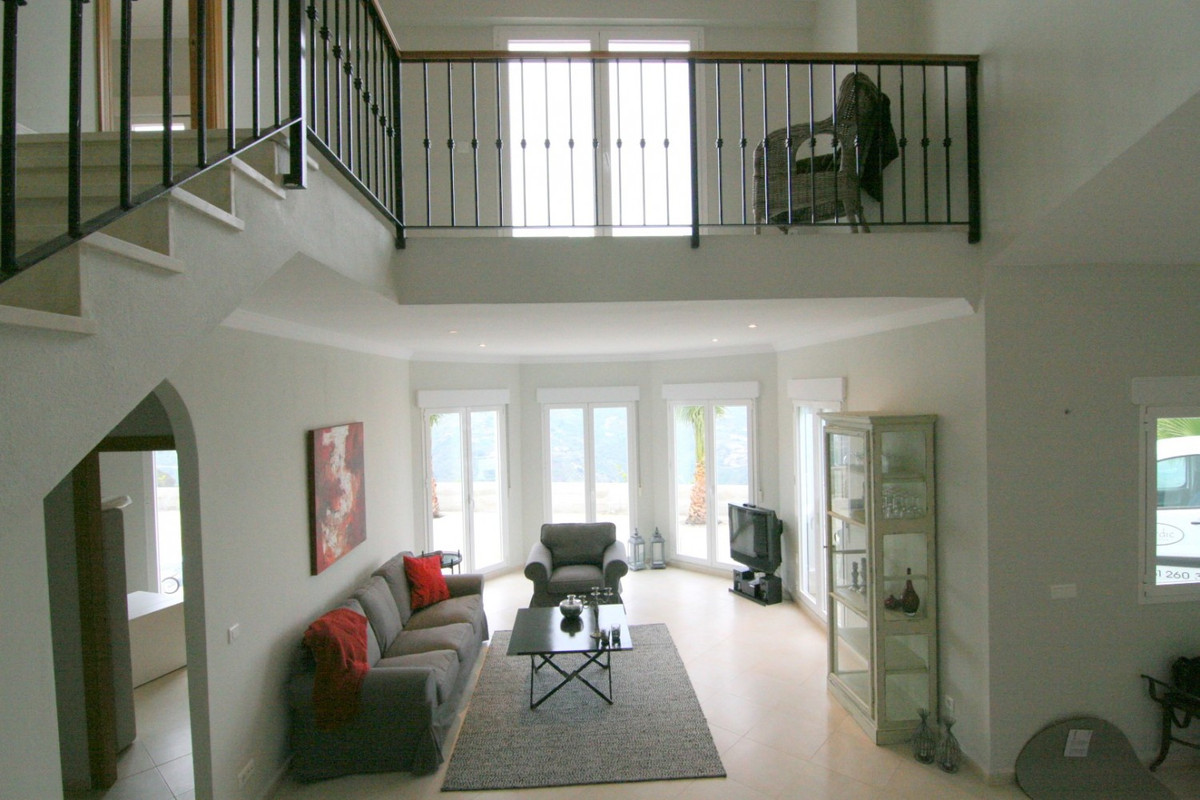 Exclusive property.           Fantastic Villa in the municipality of Algarrobo/Arenas.  The property,Spain