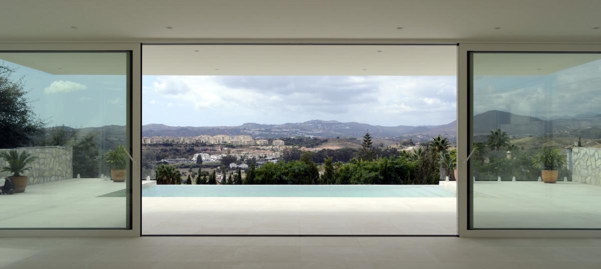 LAS CASCADAS DE MIJAS GOLF - SCANDINAVIAN DESIGN HOUSES  Inspired by Scandinavian quality and minima,Spain