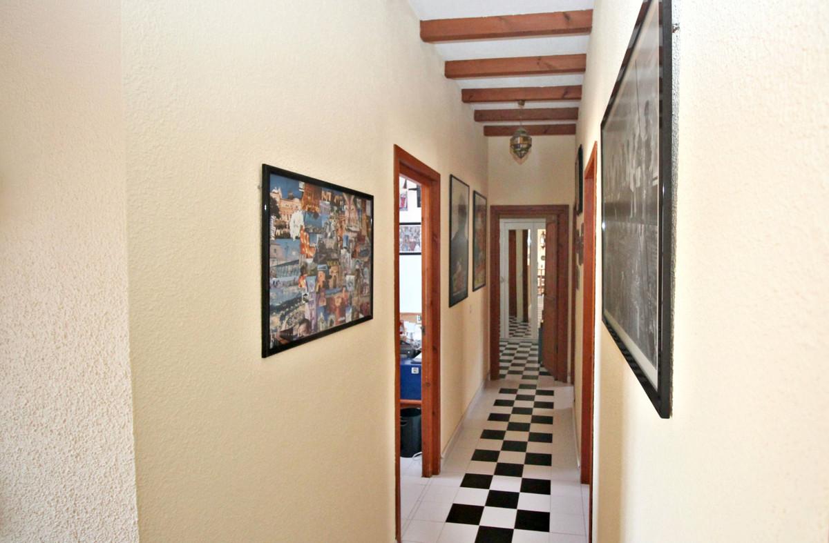 House in Alhaurín de la Torre R3524356 43