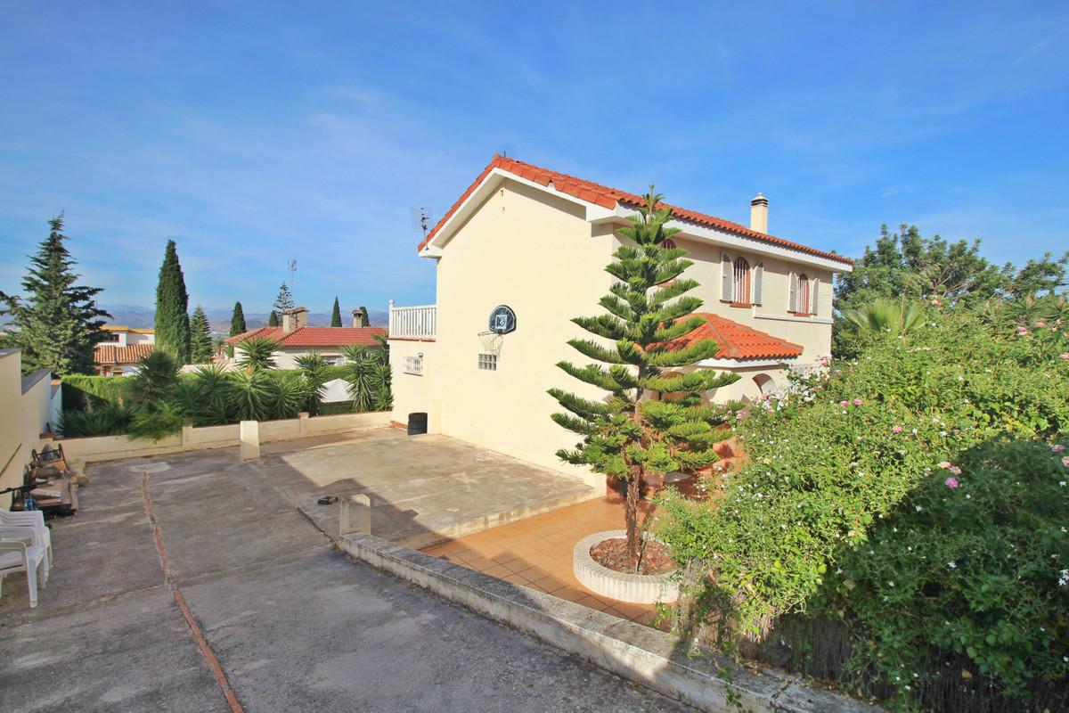 House in Alhaurín de la Torre R3524356 9