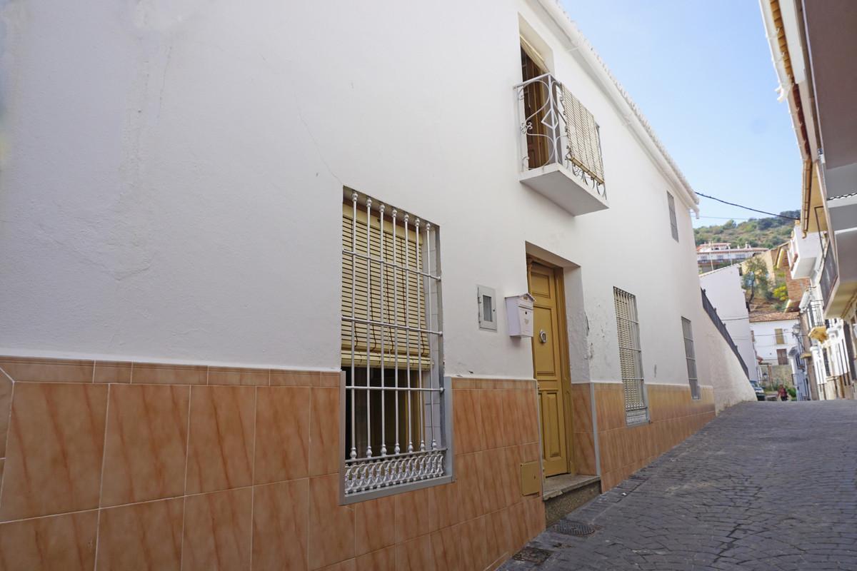 Terraced House - Guaro