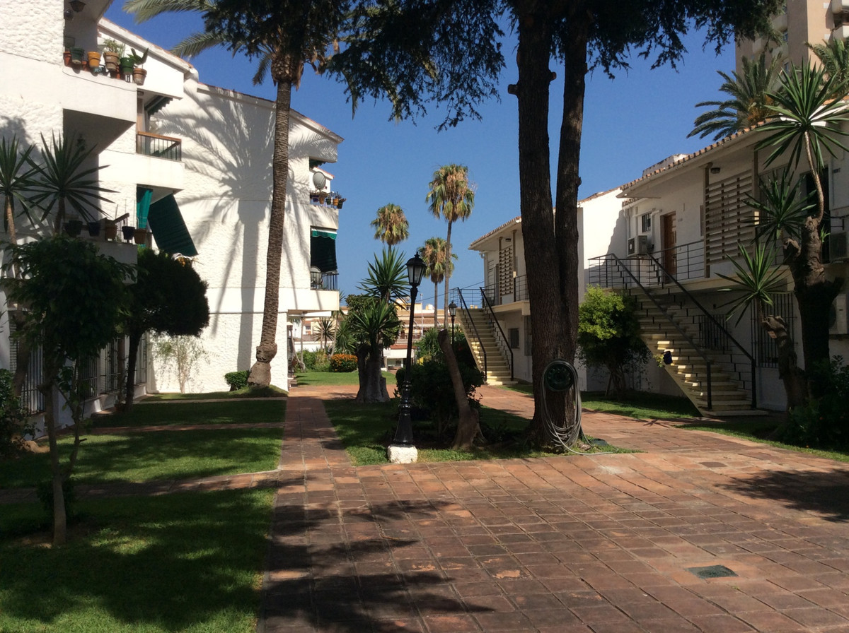 Middle Floor Apartment - La Carihuela
