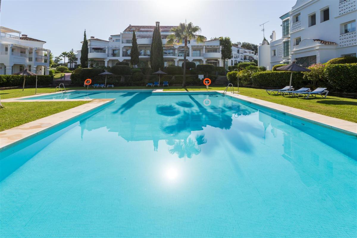 Unifamiliar, Adosada en venta y en alquiler en Guadalmina Alta