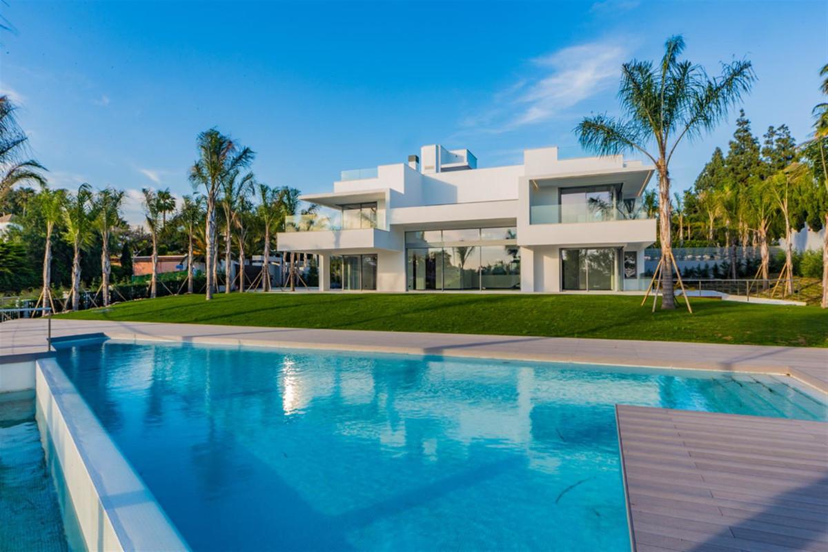 Villa, Individuelle en vente à Guadalmina Baja