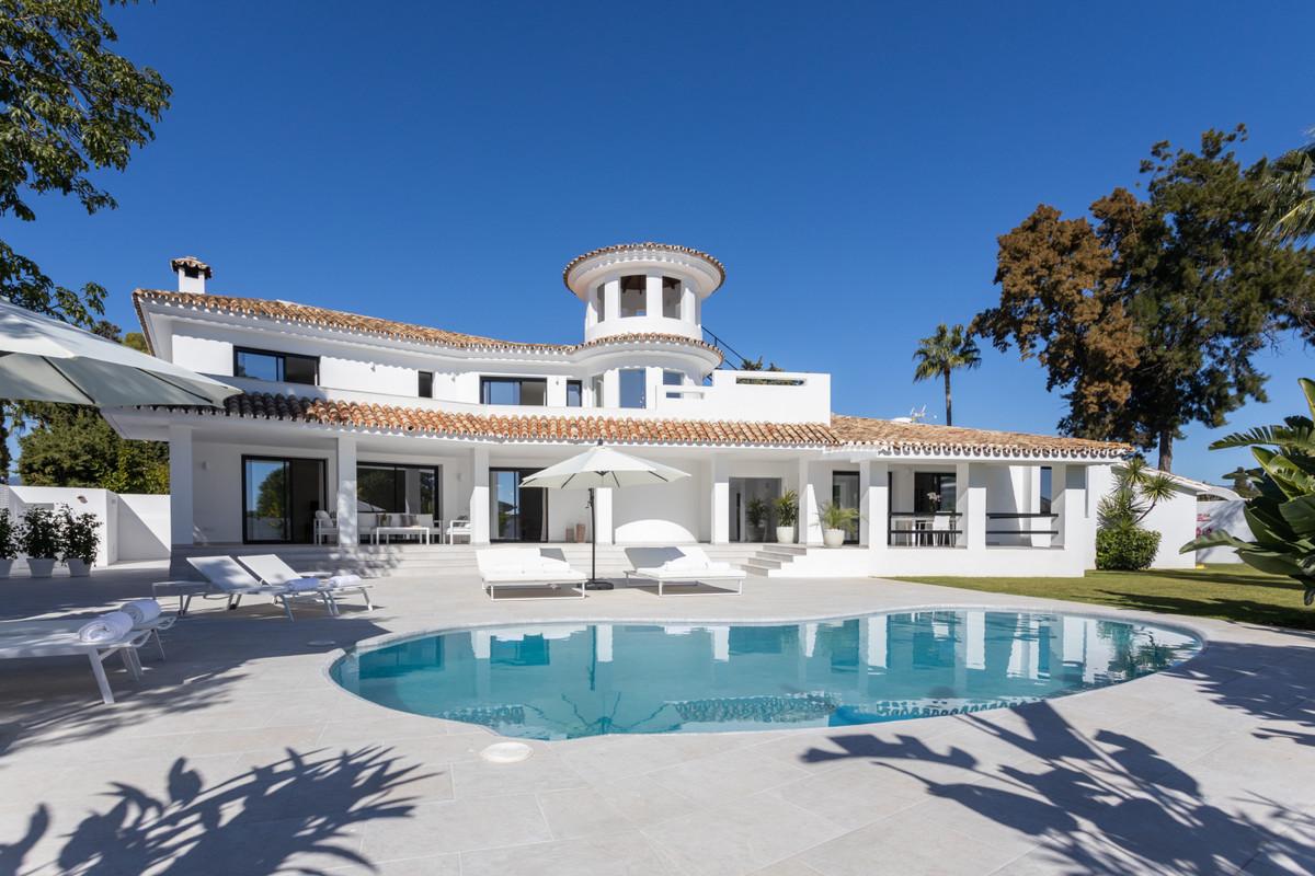 Villa, Individuelle en vente à Guadalmina Alta