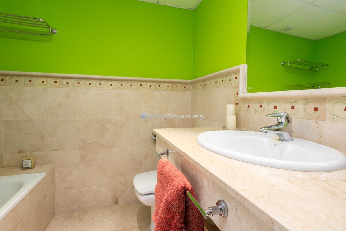 Unifamiliar Adosada en Nueva Andalucía, Costa del Sol