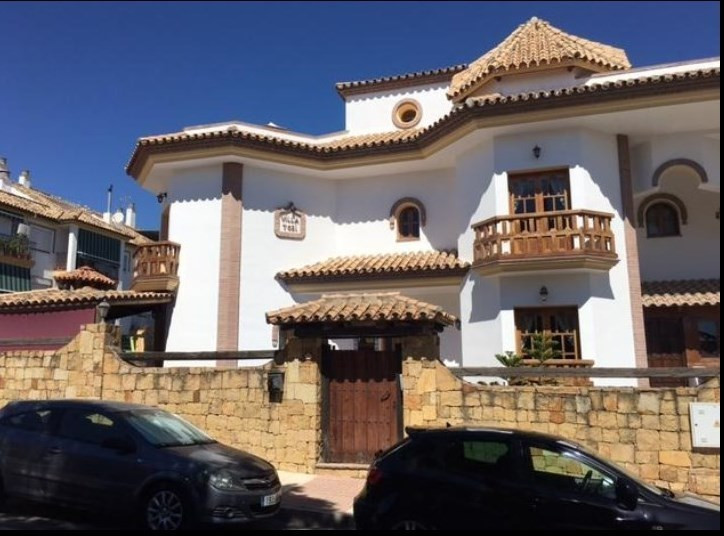 Villa  Semi Detached for sale   in San Pedro de Alcántara