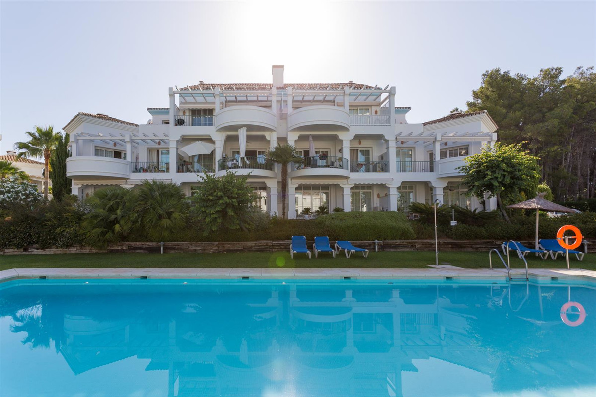 Apartamento, Planta Media en venta en Guadalmina Alta