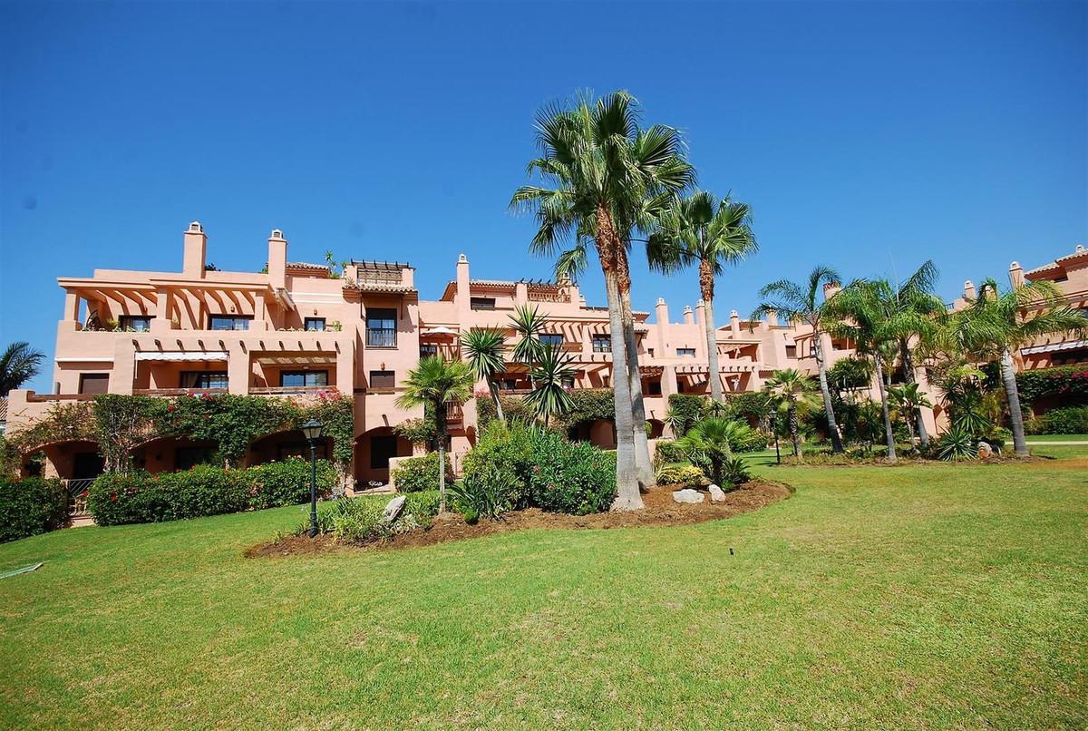 Apartamento, Ático en alquiler en Estepona