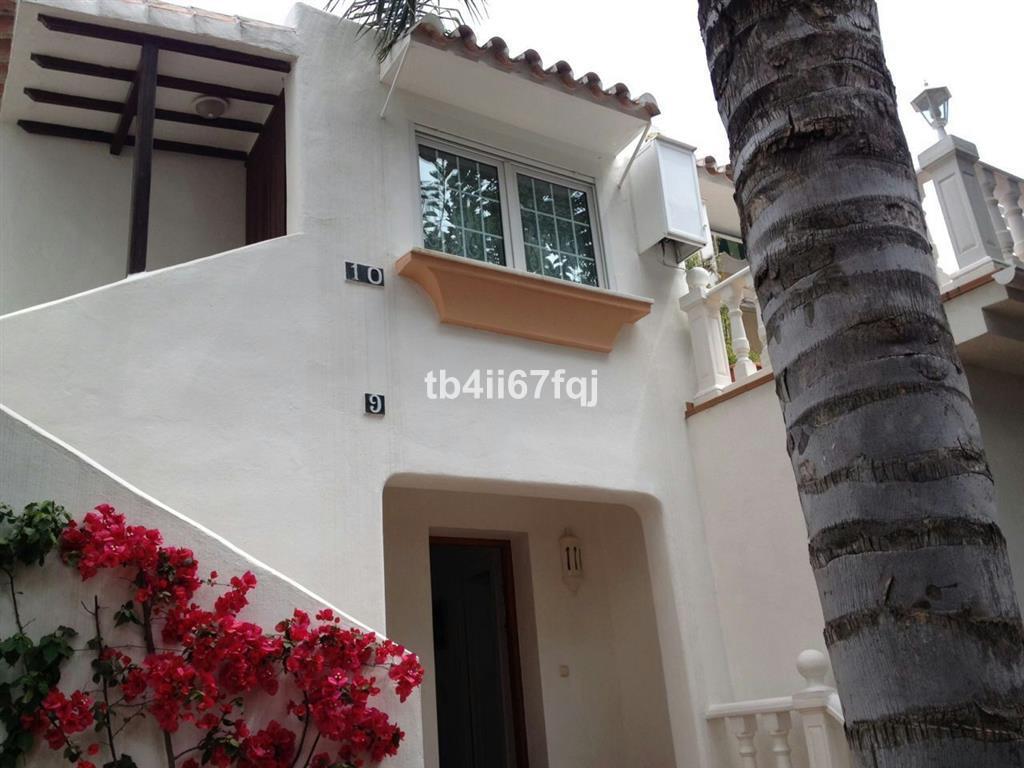 Villa  Individuelle en vente   à Nueva Andalucía