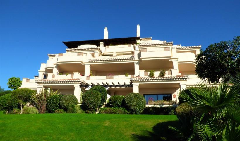 Apartamento  Planta Media en alquiler  en Benahavís