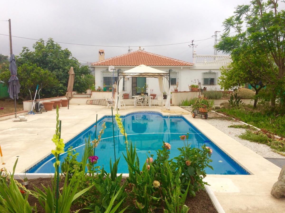 Villa  Detached for sale   in Estacion de Cartama