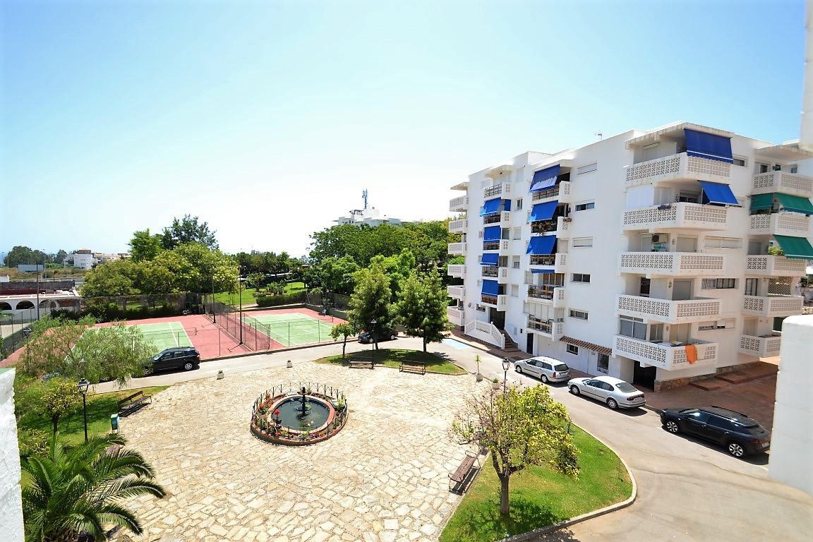 Appartement  Mi-étage en vente   à Estepona