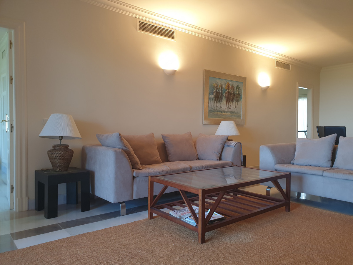Apartment  Middle Floor for rent  in Benahavís
