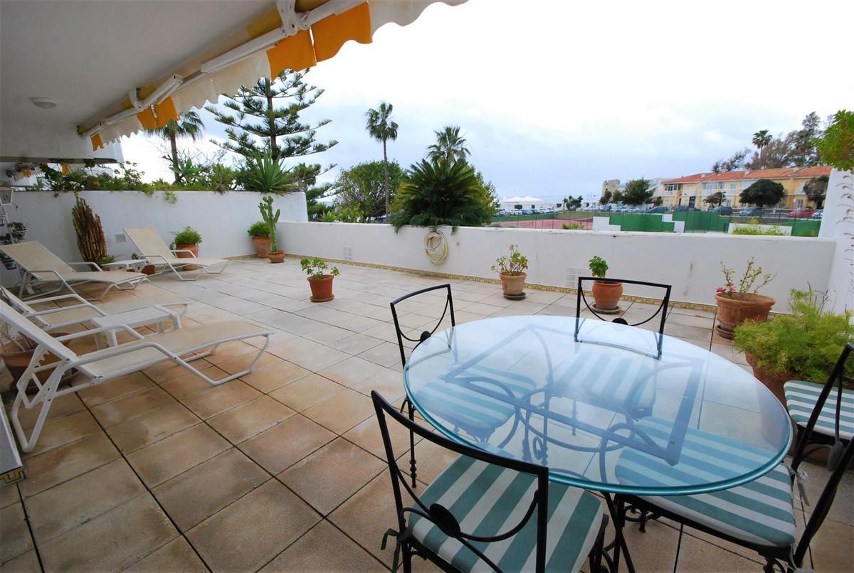 Apartment, Middle Floor for sale en Guadalmina Baja