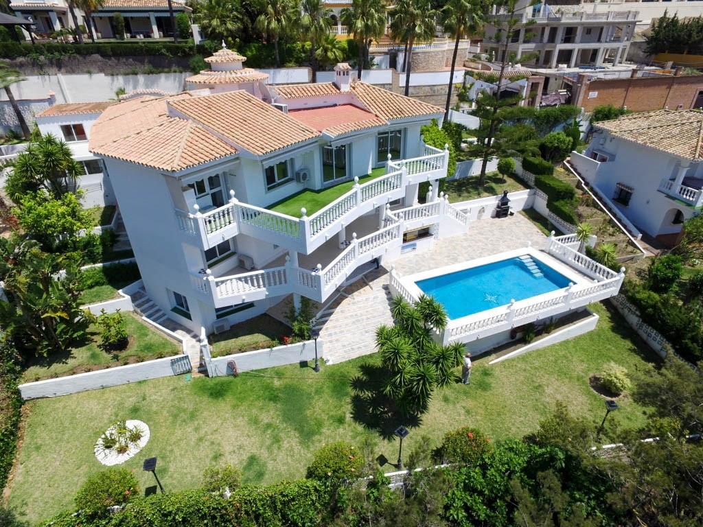 Villa  Detached for sale   in Torrequebrada