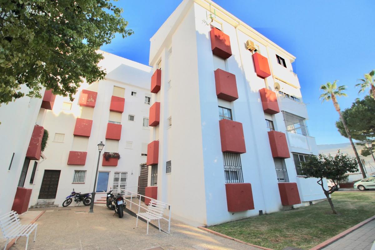 Apartamento, Planta Media  en venta    en Alhaurín el Grande