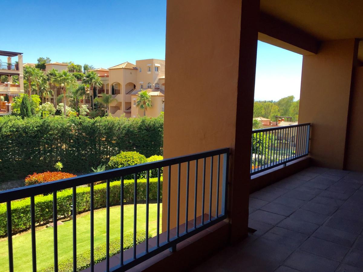 Apartment Middle Floor in Benahavís, Costa del Sol