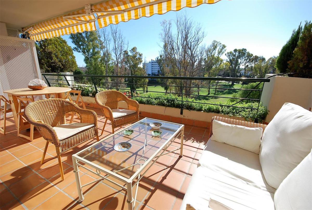 Apartment, Middle Floor en venta en Guadalmina Alta