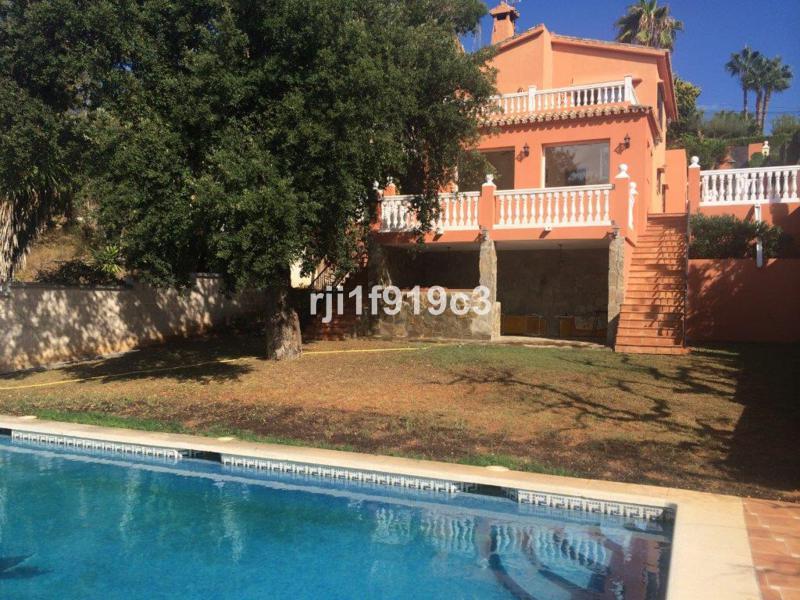 Villa  Detached for sale   in Elviria