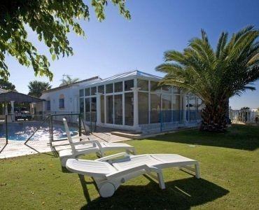 Villa  Independiente en venta   en Estepona