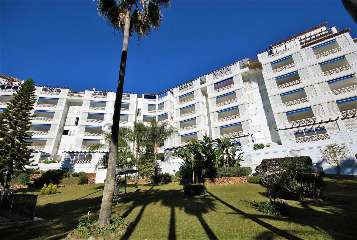 Apartment, Middle Floor for sale and for rent en Puerto Banús