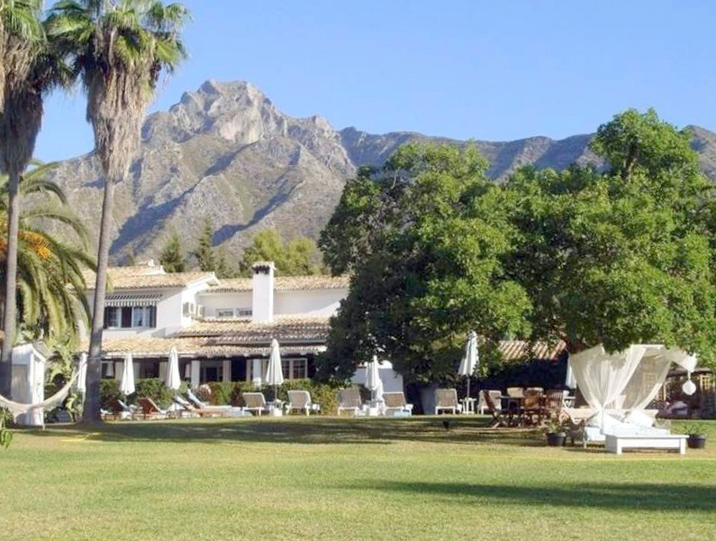 Villa  Individuelle en vente   à Nagüeles