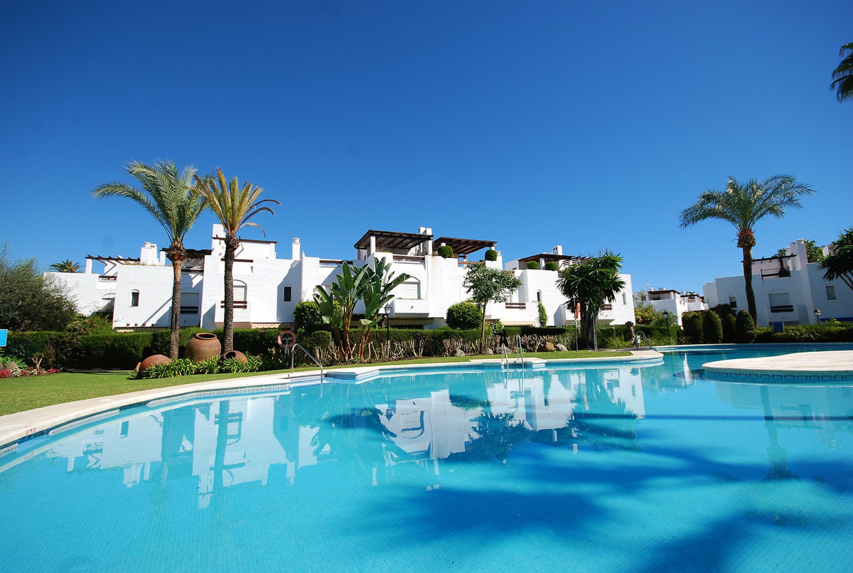 Townhouse, Terraced for sale en Guadalmina Baja