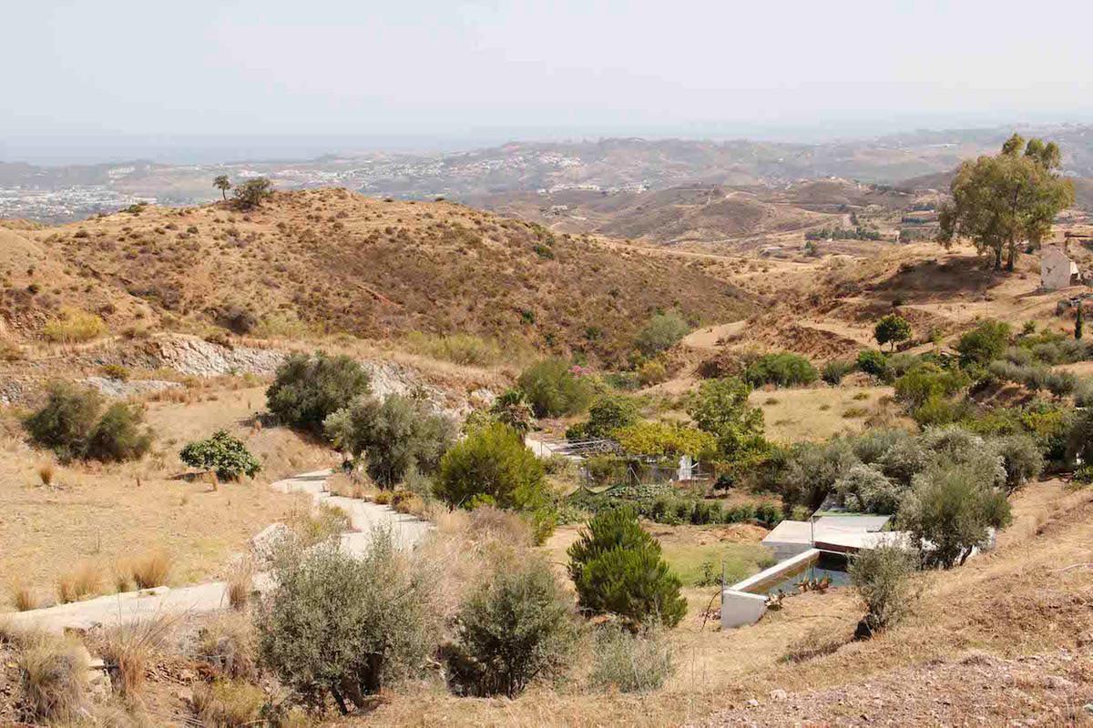Plot  Land for sale   in Valtocado