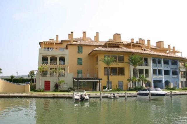 Apartment Middle Floor in Sotogrande Marina, Costa del Sol