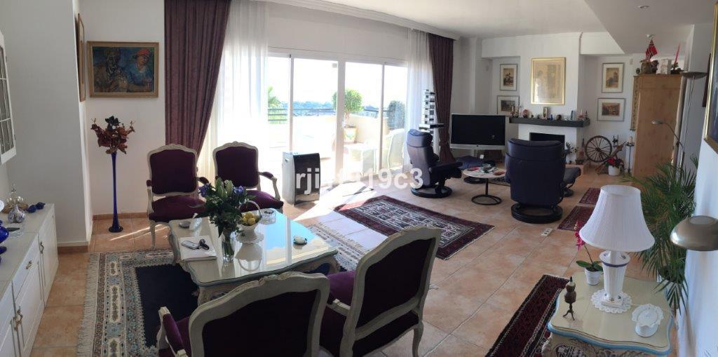 Apartment Penthouse in Elviria, Costa del Sol