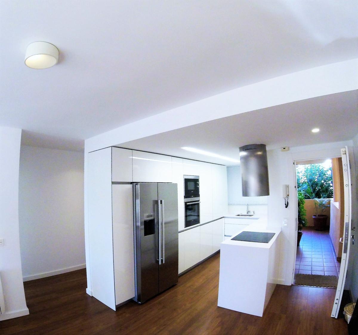 Appartement  Mi-étage en vente   à Reserva de Marbella