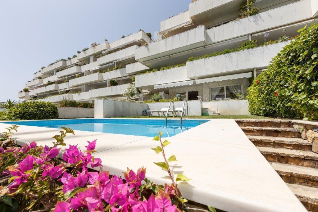 Appartement  Rez-de-chaussée en vente   à Puerto Banús
