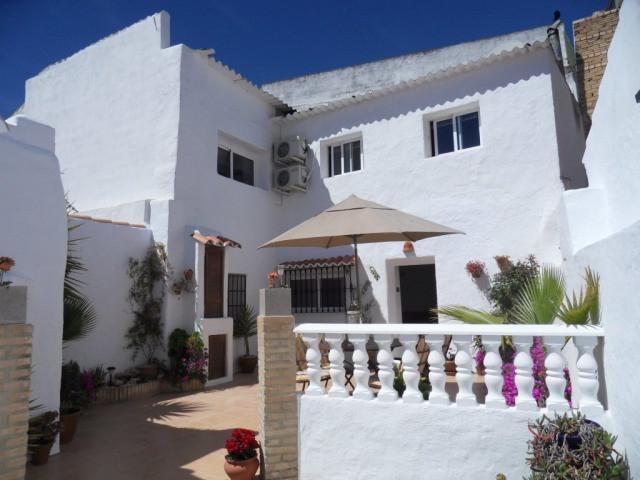Maison Jumelée, Mitoyenne  en vente    à Humilladero