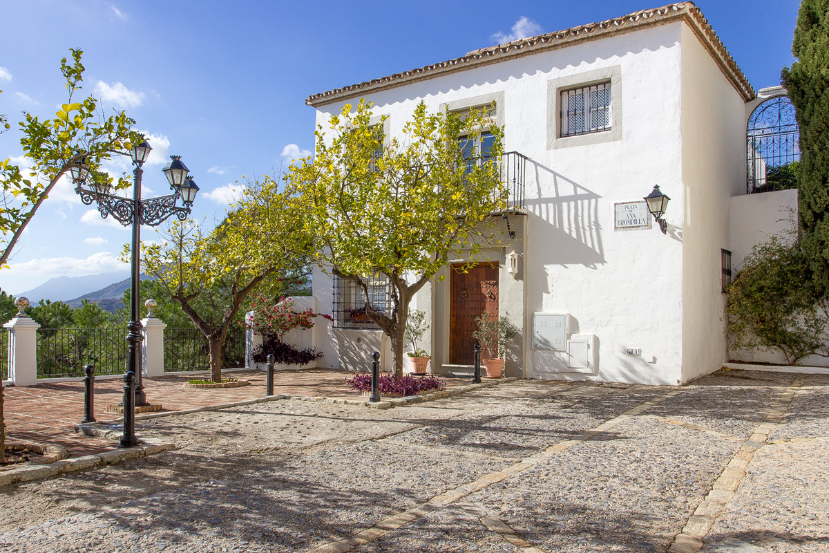 Maison Jumelée  Mitoyenne en vente   à La Heredia