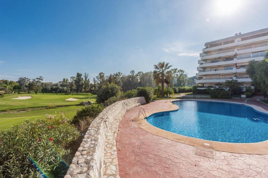 Apartamento  Planta Baja en alquiler  en Guadalmina Alta