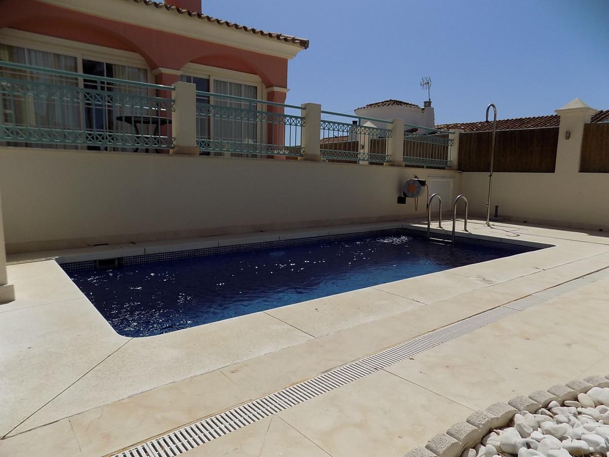 Villa  Semi Detached for rent  in San Pedro de Alcántara