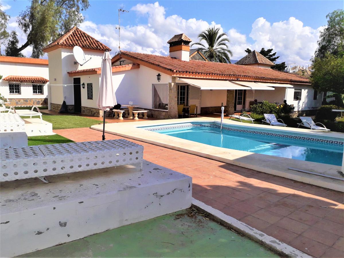 Villa  Independiente  en Marbella