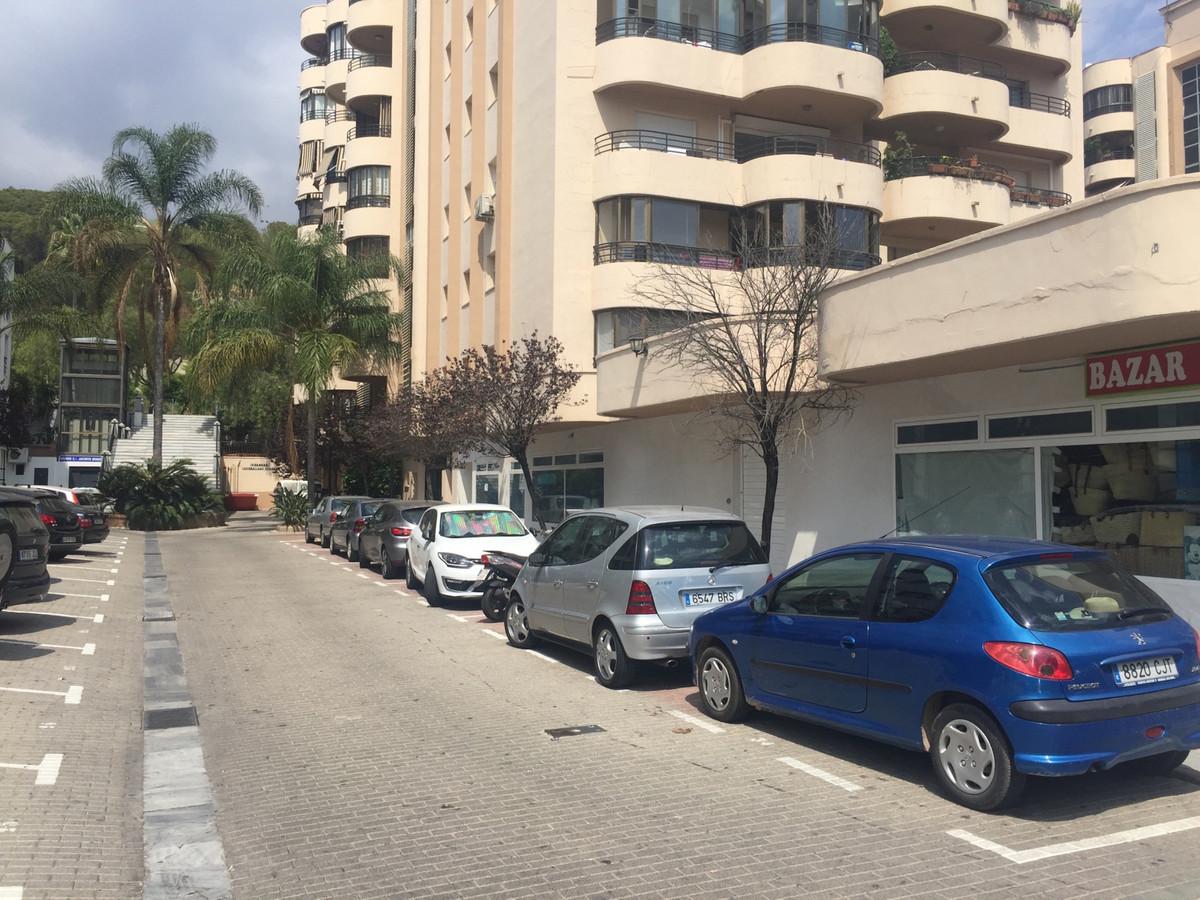 Commerce  Garage en vente   à Marbella