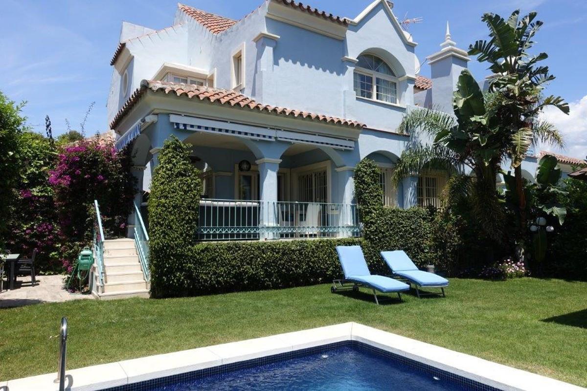 Villa  Semi Individuelle en vente   à Puerto Banús