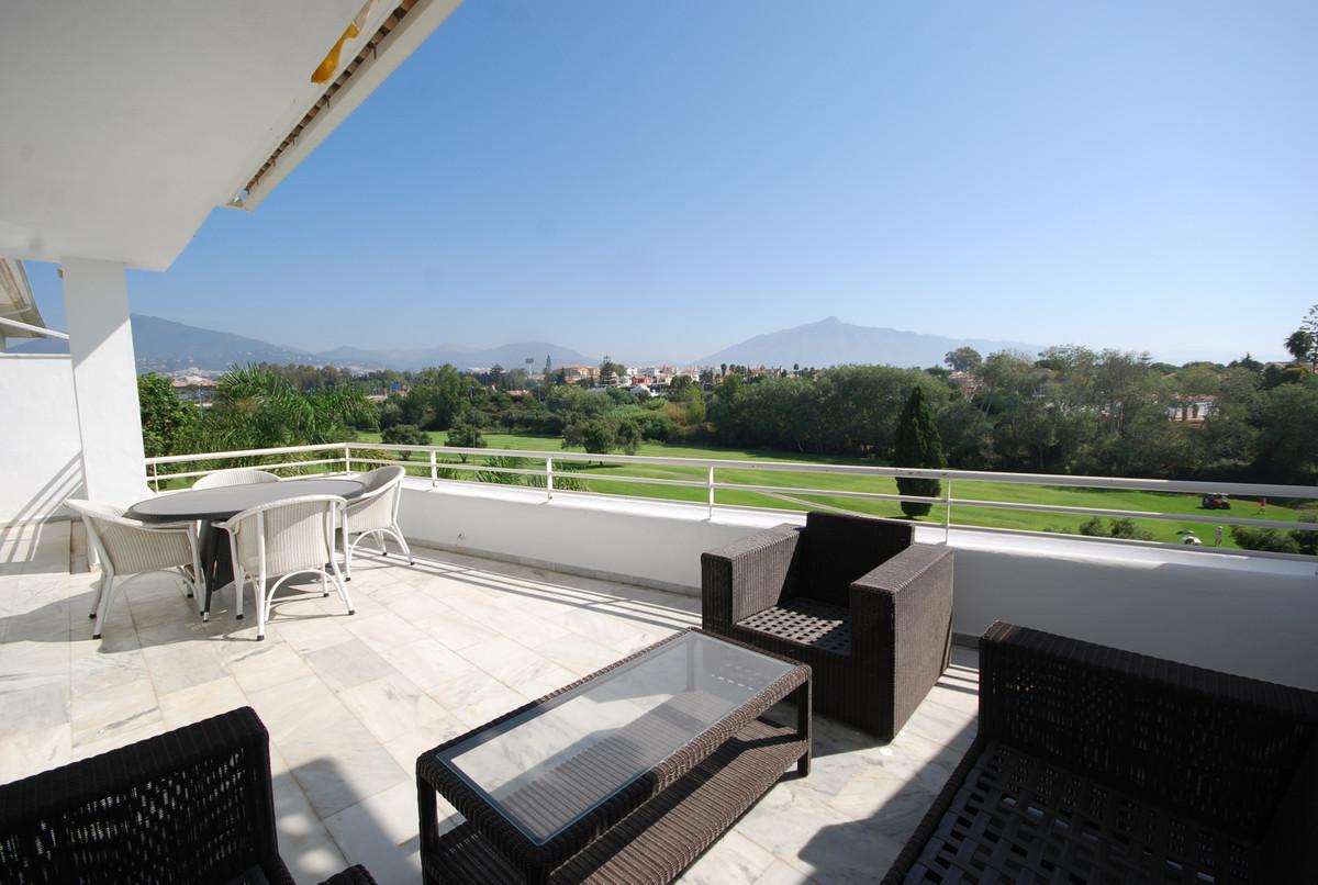 Appartement, Penthouse en vente à Guadalmina Baja