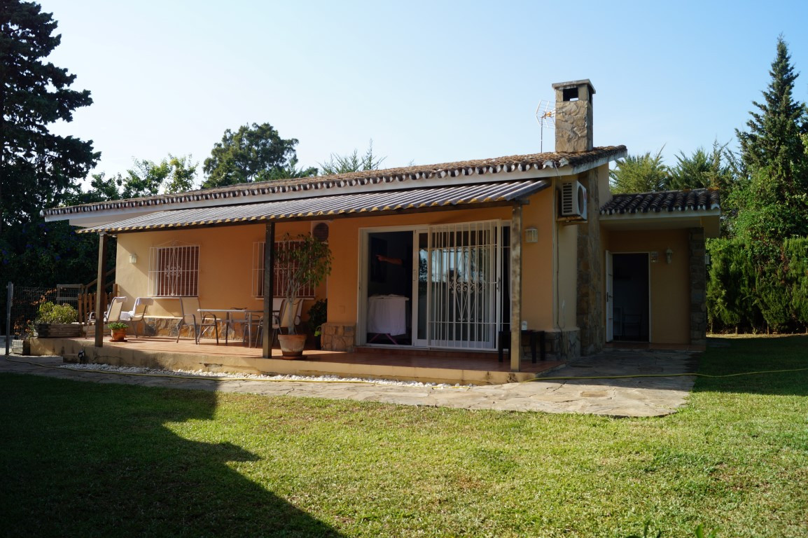 Villa  Independiente en alquiler  en Atalaya