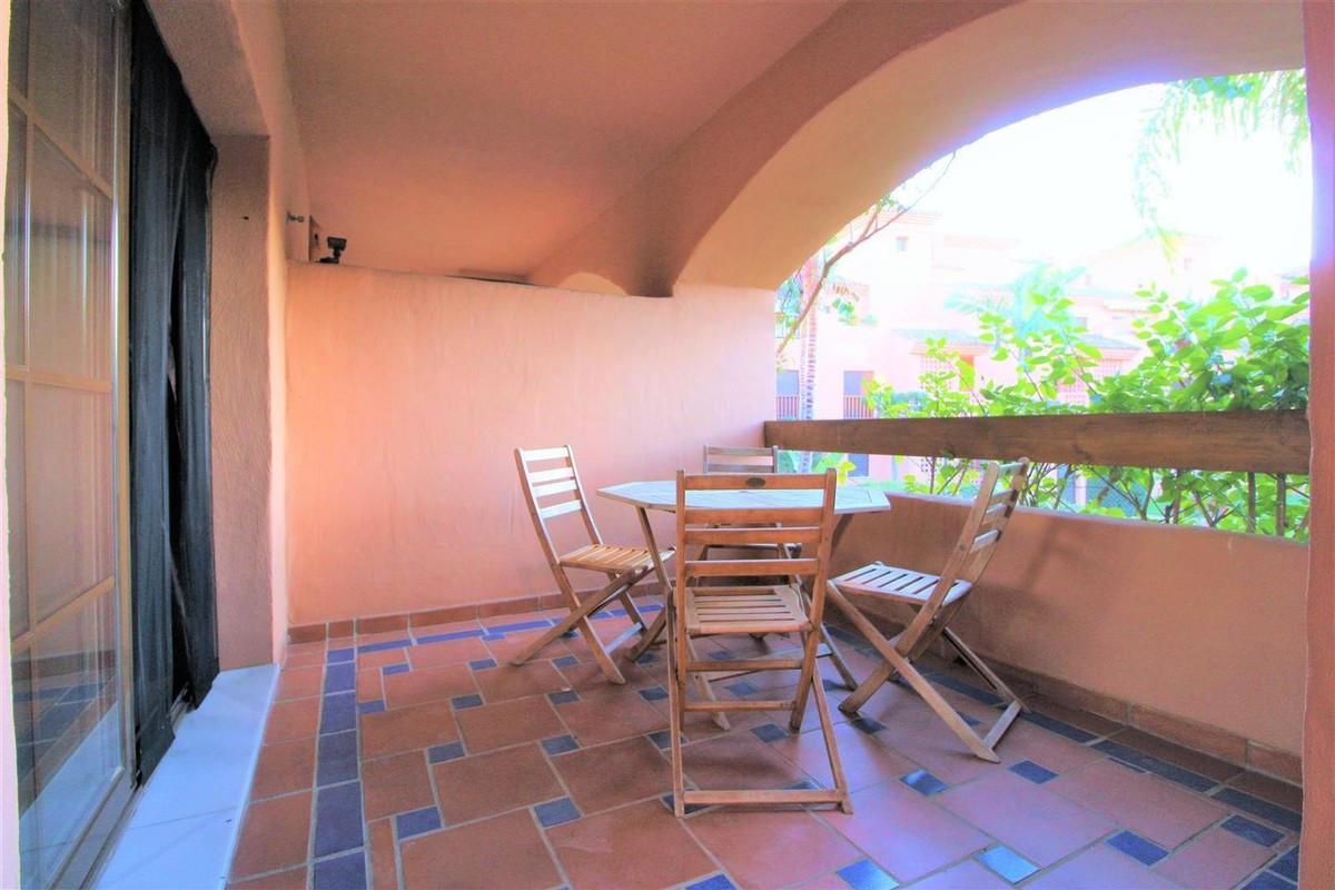 Apartment  Middle Floor for rent  in Hacienda del Sol