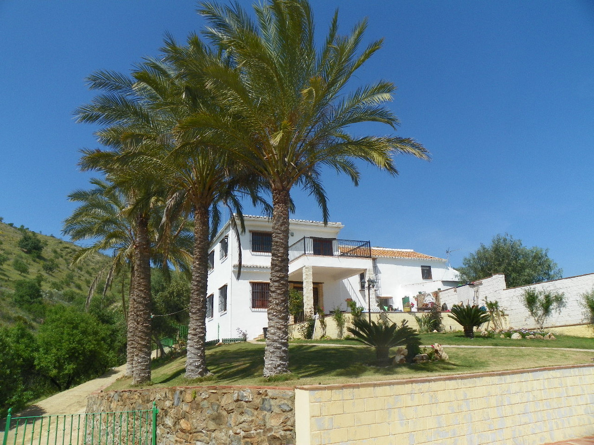 Villa  Finca for sale   in Estacion de Cartama