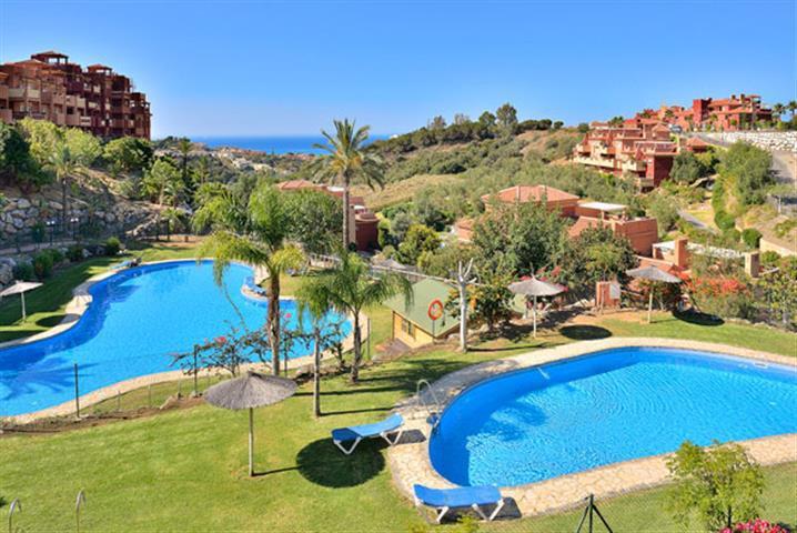 Apartment  Middle Floor for rent  in Reserva de Marbella