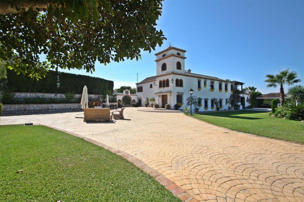 Villa  Independiente en venta   en Mijas Golf